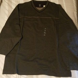 NWT Mens Van Heusen studio sweater
